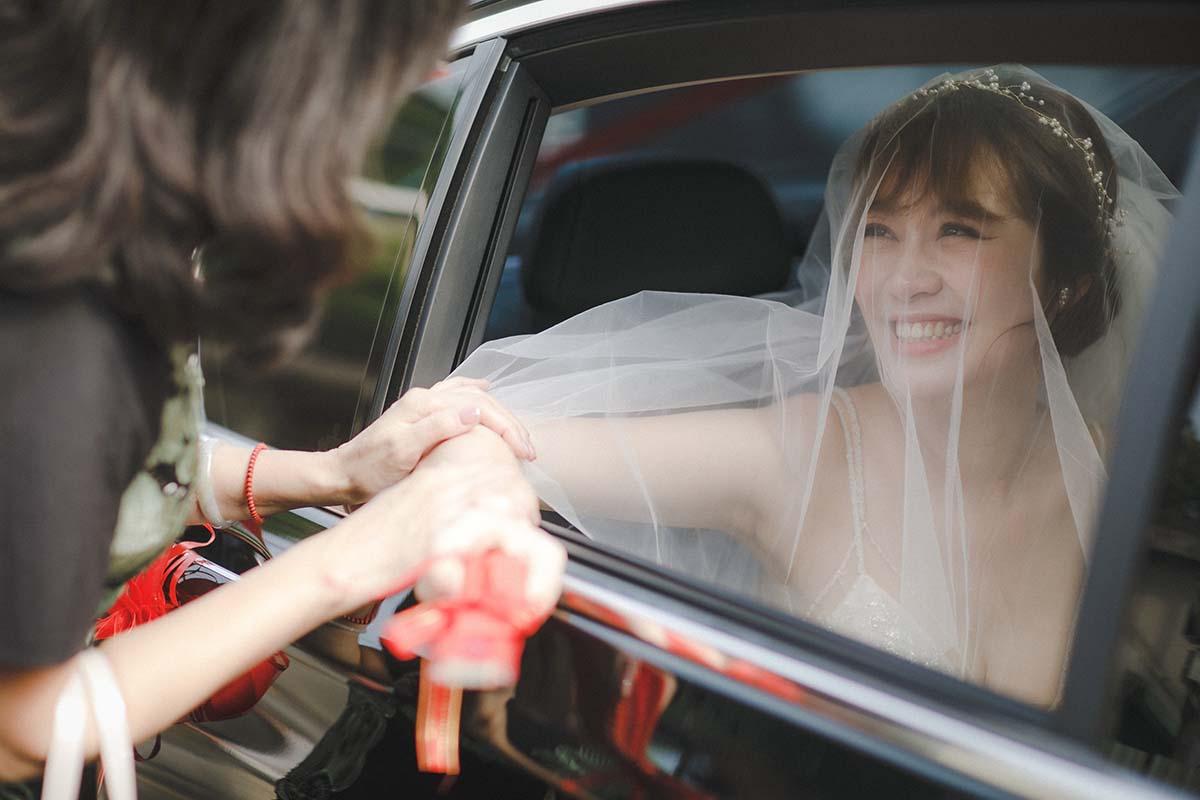 迎娶儀式新娘丟扇子